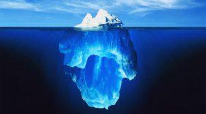 解体中の氷山の一角